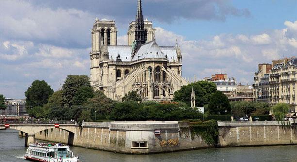 PRATIC HOTEL est proche des grands monuments, Notre dâme, Opéra Bastille